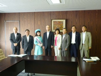2012.6.6~7 県議会神々の国議員連盟で神話博PR